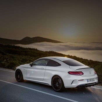 2017-Mercedes-Benz-AMG_C63-Coupe-093